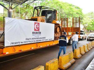 Grande Comboio de maquinários para obras da nova ponte chega ao paraguai